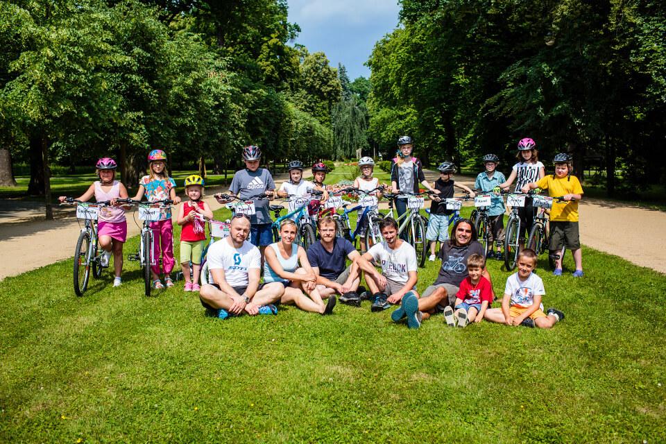 30.6.2015 – Předávání kol v Přerově – 12 dětí dostalo svá nová kola